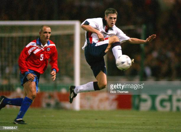 Sport Football Friendly International Wembley London 11th February 1998 England 0 v Chile 0 Debut of England's Michael Owen who controls the ball in...
