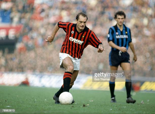 Sport Football Italian League Serie A pic October 1984 AC Milan v Inter Ray Wilkins AC Milan who also won 84 England international caps between...