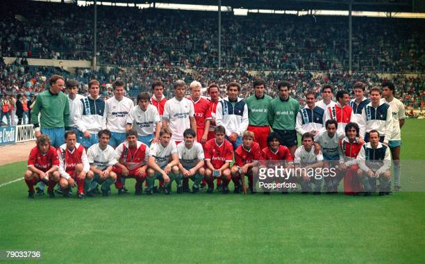 Sport Football League Centenary Match Wembley London England 8th August 1987 Football League 3 v Rest of the World 0 The players pose together for a...