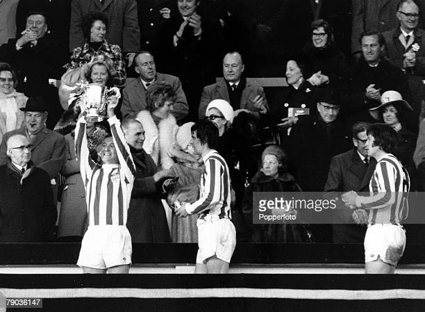 Sport Football League Cup Final Wembley London England 4th March 1972 Stoke City 2 v Chelsea 1 Stoke City Captain Peter Dobing holds the League Cup...