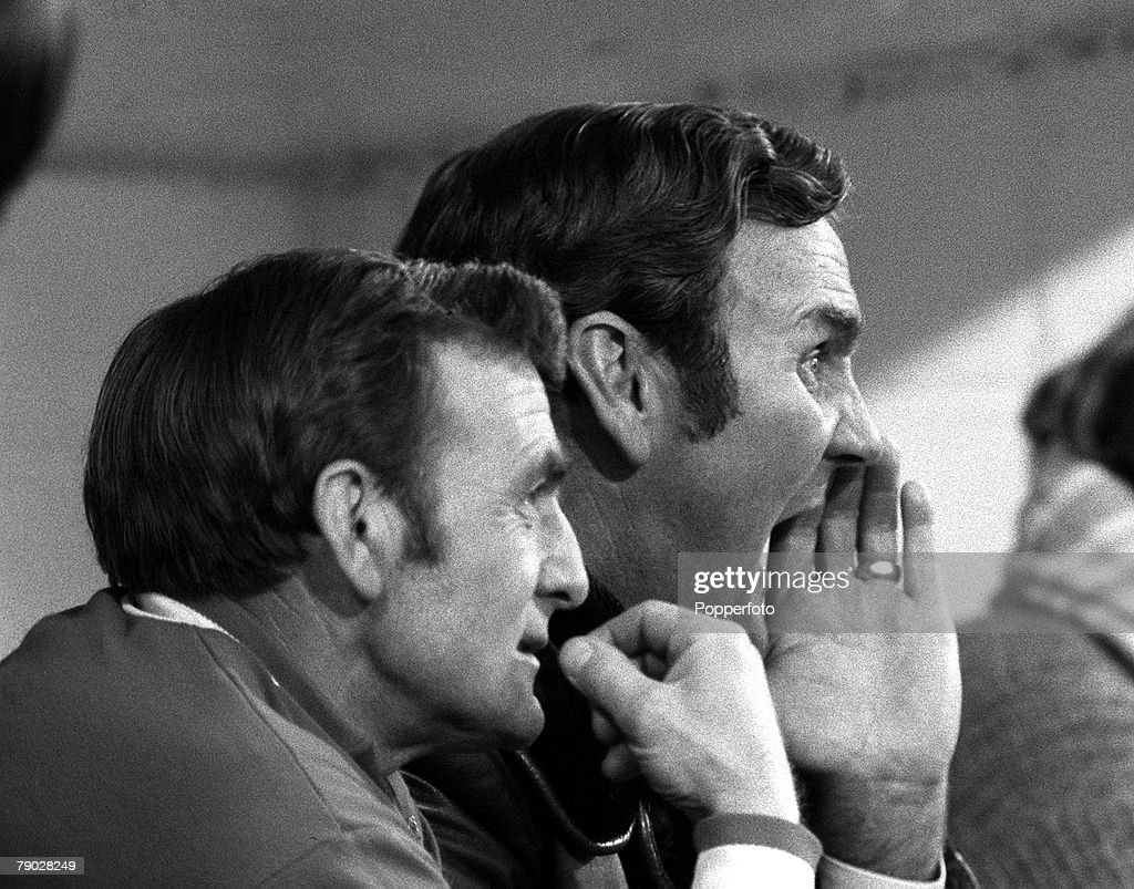 Sport, Football, League Division One, Selhurst Park, London, England, 18th November 1972, Crystal Palace 2 v Leeds United 2, Leeds United Manager Don Revie (right) shouts instructions from the bench with Trainer Les Cocker