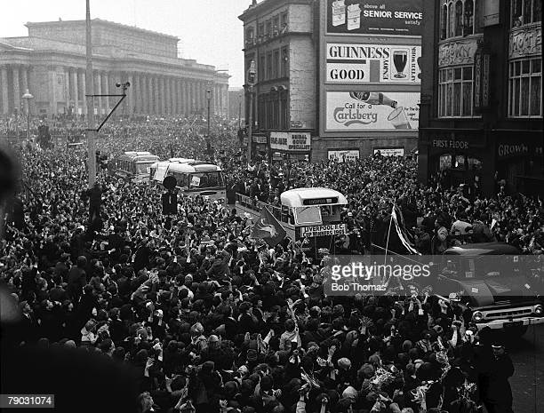 Sport Football Liverpool England FA Cup winners Liverpool FC are greeted by thousands of fans as the team is driven through the city in an opentop...
