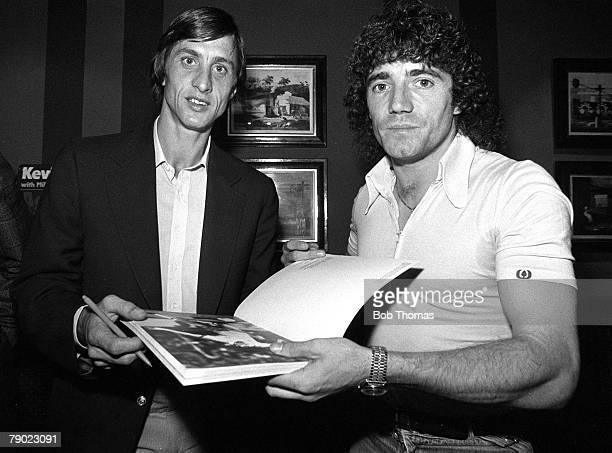 Sport Football London England 10th January 1981 Holland's Johan Cruyff is pictured with England's Kevin Keegan at a book launch