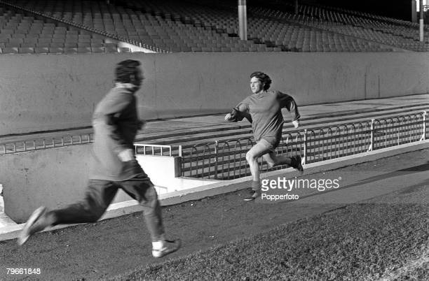 Sport Football London England 24th December 1971 Arsenal's 220000 new signing from Everton Alan Ball is pictured sprinting around Highbury during a...