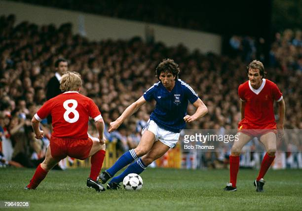 12th September 1981 Division 1 Ipswich Town v Liverpool Ipswich Town's Paul Mariner moves between Liverpool's Sammy Lee and Phil Thompson
