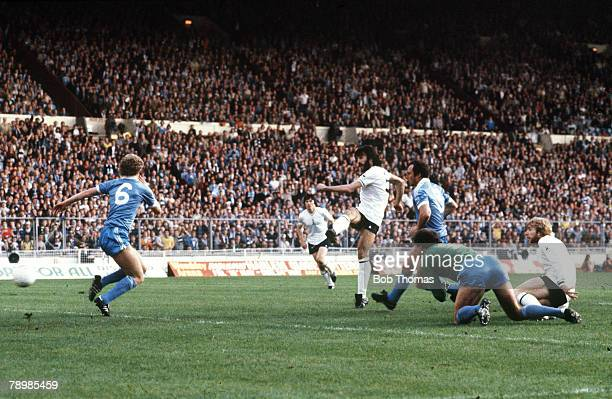 14th May 1981 FACup Final Replay at Wembley Tottenham Hotspur 3 v Manchester City 2 Tottenham Hotspur's Ricardo Villa scores the 1st goal