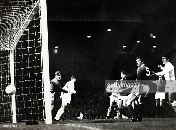 16th October 1968 World Club Championship 2nd Leg at Old Trafford Manchester United 1 v Estudiantes 1 Estudiantes win 21 on aggregate Action in the...