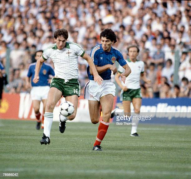 17th June 1982 1982 World Cup Finals in Spain Northern Ireland 0 v Yugoslavia 0 in Zaragoza Northern Ireland's Norman Whiteside in a race for the...