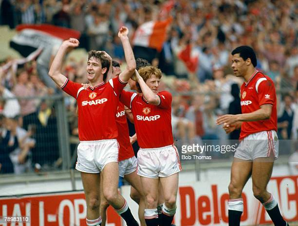 18th May 1985 FA Cup Final at Wembley Everton 0 v Manchester United 1 aet Manchester United's Norman Whiteside left has scored the winning goal as...