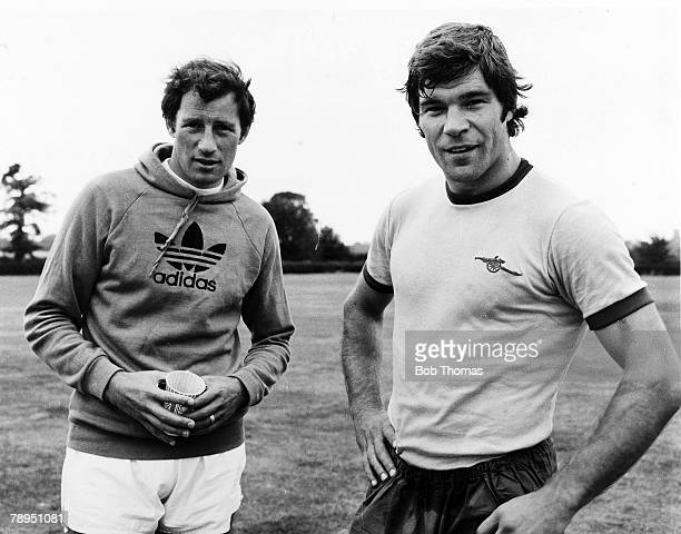 1976 Arsenal Manager Terry Neill left with his new signing Malcolm MacDonald