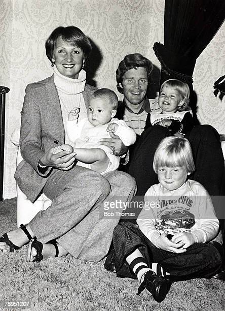 1977 Arsenal's Willie Young at home with his wife Lynda and their children Steven Victoria and Martyn