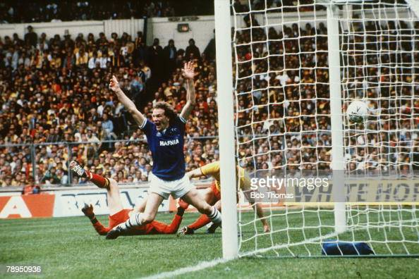 1984 FACup Final at Wembley Everton 2 v Watford 0 Everton striker Andy Gray turns to celebrate after scoring the second goal