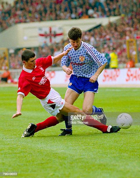 1992 Rumbelows League Cup Final at Wembley Manchester United 1 v Nottingham Forest 0 Nottingham Forest's Roy Keane tackles Manchester United's Denis...