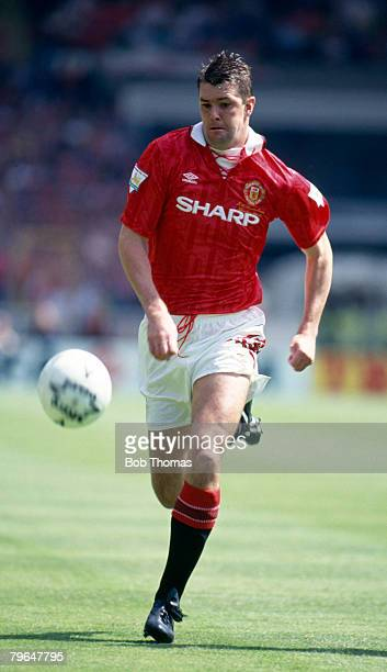 1993 FA Charity Shield at Wembley Manchester United v Arsenal Gary Pallister Manchester United who won 22 England caps between 19881997