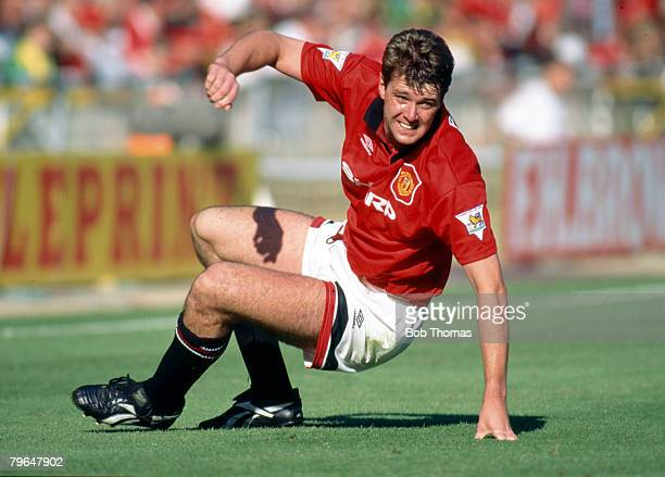 1994 Gary Pallister Manchester United central defender 19891997 who won 22 England international caps between 19881997