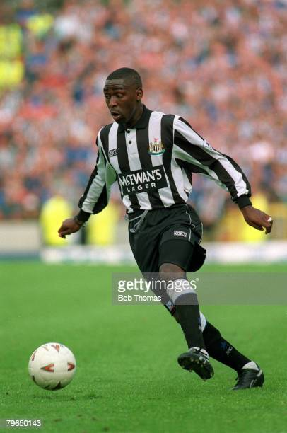 19941995 Newcastle United striker Andy Cole on the ball Andy Cole made a name for himself at Newcastle United where he became a prolific goalscorer...