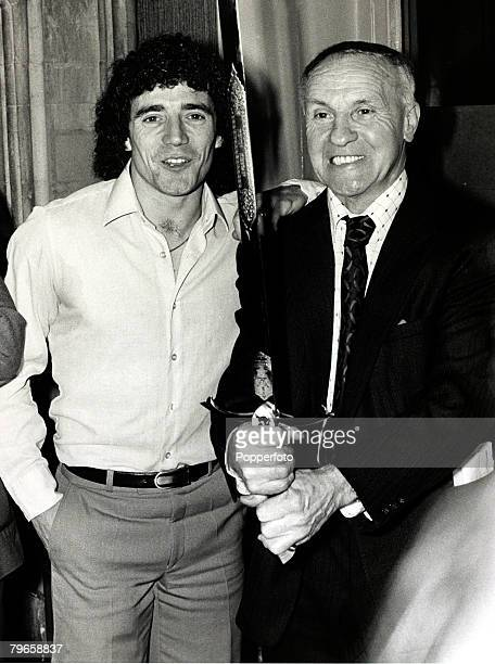 19th November 1979 Hamburg's Kevin Keegan the England international pictured at a London reception with former Liverpool Manager Bill Shankly who...
