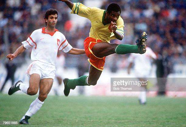 19th November 1989 World Cup Qualifier in Tunis Tunisia 0 v Cameroon 1 Oman Kana Biyick Cameroon