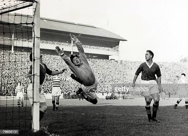 21st October 1957 Scottish League Cup Final at Hampden Park Glasgow Celtic 7v Rangers 1 Rangers' goalkeeper George Niven makes a spectacular save but...