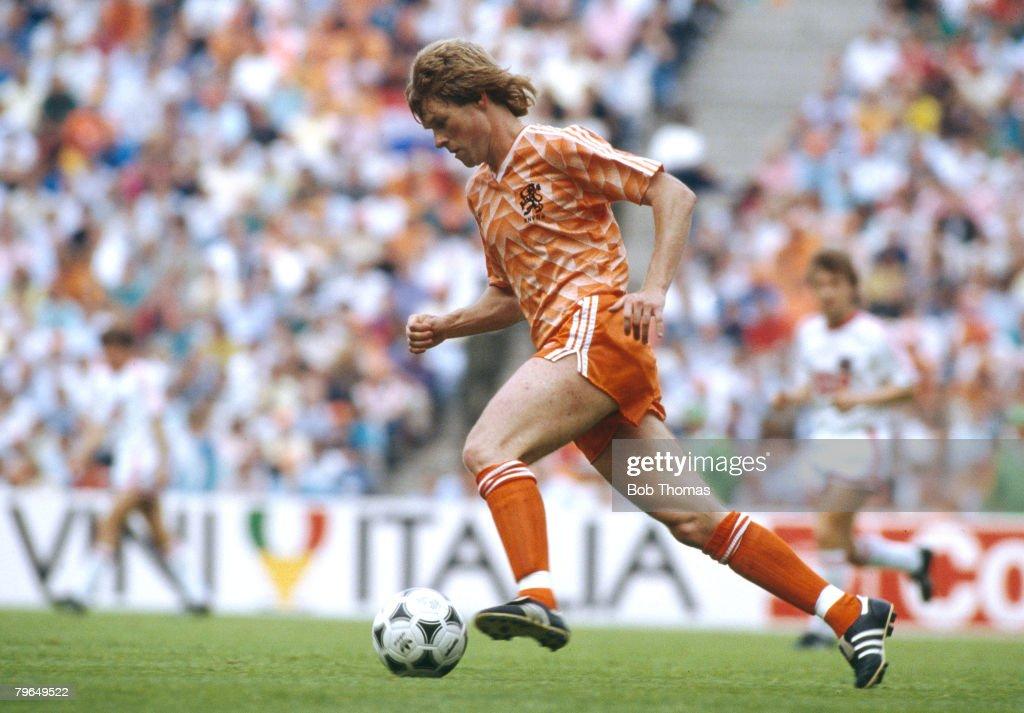 25th June 1988, European Championship Final in Munich, Holland 2 v U,S,S,R, 0, Erwin Koeman, Holland