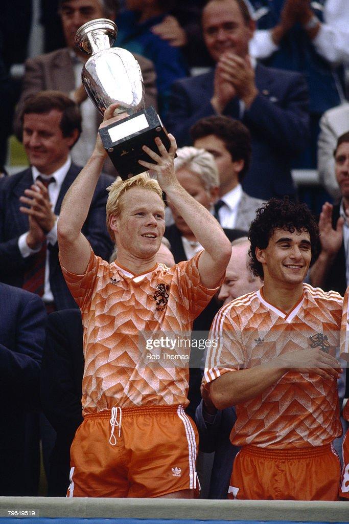 25th June 1988, European Championship Final, Munich, Holland 2 v U,S,S,R, 0, Holland's Ronald Koeman raises the European Championship trophy