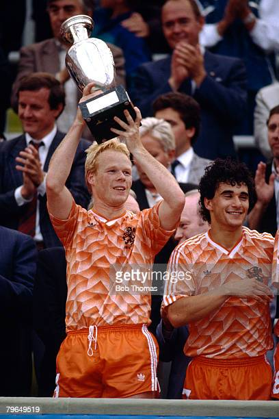25th June 1988 European Championship Final Munich Holland 2 v USSR Holland's Ronald Koeman raises the European Championship trophy