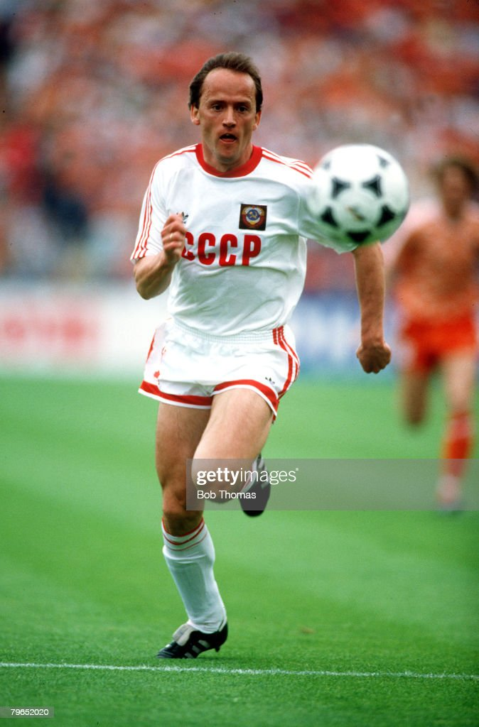 25th June 1988, European Championship Final, Munich, Holland 2 v USSR 0,Igor Belanov, U