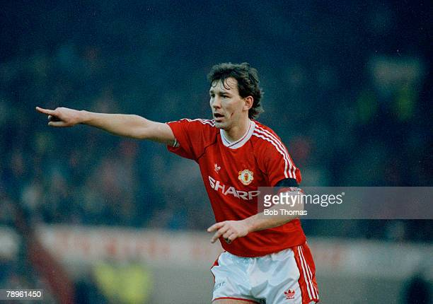 26th January 1991 FACup 4th Round Manchester United 1 v Bolton Wanderers 0 Bryan Robson Manchester United midfielder 19811994 Bryan Robson also won...