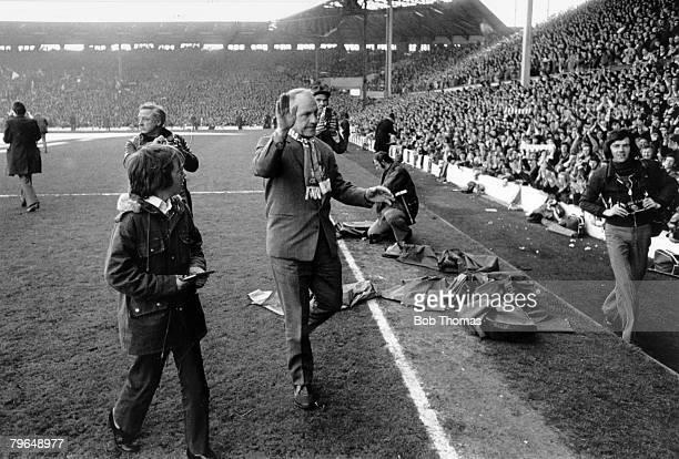 28th April 1973 Division 1 Liverpool 0 v Leicester City 0 Liverpool Manager Bill Shankly accepts the applause of the Anfield crowd after the match as...