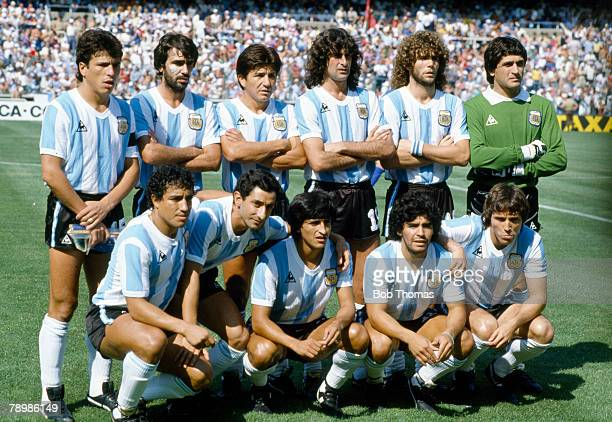 29th June 1982 1982 World Cup Finals in Spain Italy 2 v Argentina 0 in Barcelona Argentina team group Back row leftright Daniel Passarella Jorge...