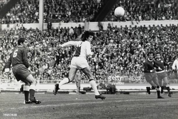 2nd June 1971 European Cup Final at Wembley Ajax Amsterdam 2 v Panathinaikos 0 Ajax striker Dick Van Dijk heads the first goal in the fifth minute