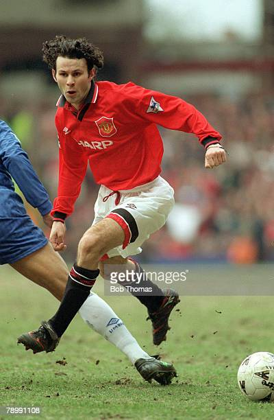 31st March 1996 FA Cup SemiFinal at Villa Park Chelsea 1 v Manchester United 2 Manchester United's Ryan Giggs on the attack