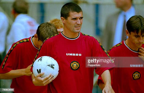 3rd August 1997 FACharity Shield at Wembley Chelsea 1 v Manchester United 1 Manchester United won 42 on penalties Roy Keane the Manchester United...
