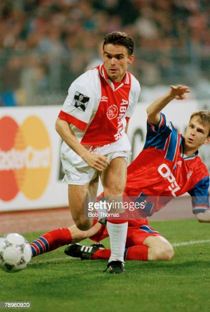 5th April 1995 UEFAChampions League SemiFinal Bayern Munich 0 v Ajax 0 Marc Overmars Ajax on the attack