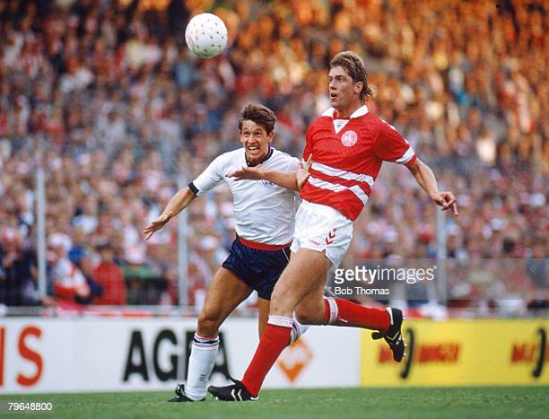 7th June 1989 Friendly International in Copenhagen Denmark 1 v England 1 England's Gary Lineker Iin a race for the ball with Denmark's Kent Nielsen...