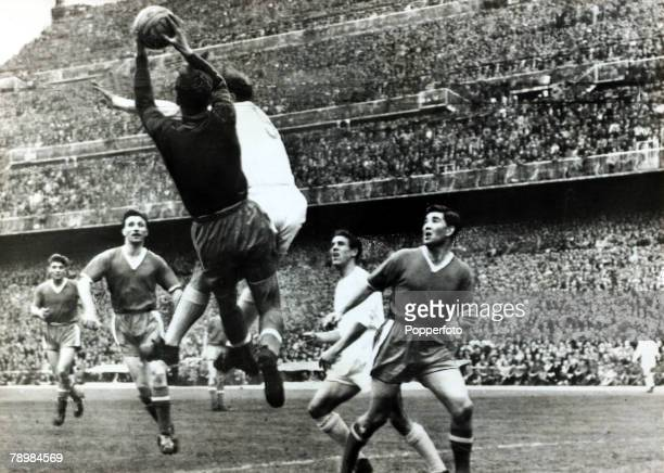 April 1957 European Cup Semi Final Ist Leg Real Madrid 3 v Manchester United 1 in the Bernabeu Stadium Manchester United goalkeeper Ray Wood saves...