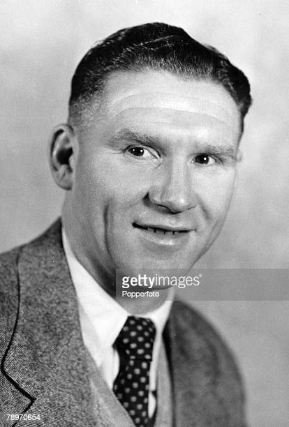 circa 1950 Bill Nicholson Tottenham Hotspur who won 1 solitary England international cap against Portugal in 1951 scoring with almost his first touch