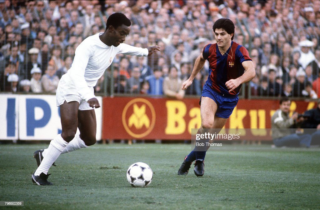 circa 1980, Spanish League, Real Madrid 3, v Barcelona 2, Laurie Cunningham, Real Madrid poised to cross the ball, Laurie Cunningham (1956-1989) played in Spain for Real Madrid, 1979 - 1983, sadly killed in a car crash in 1989