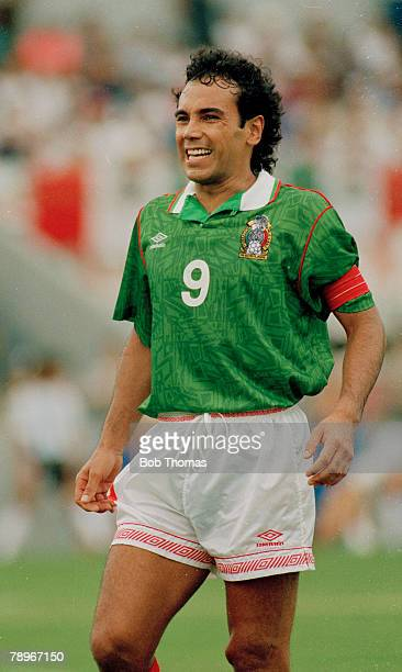 circa 1990 Mexico striker Hugo Sanchez