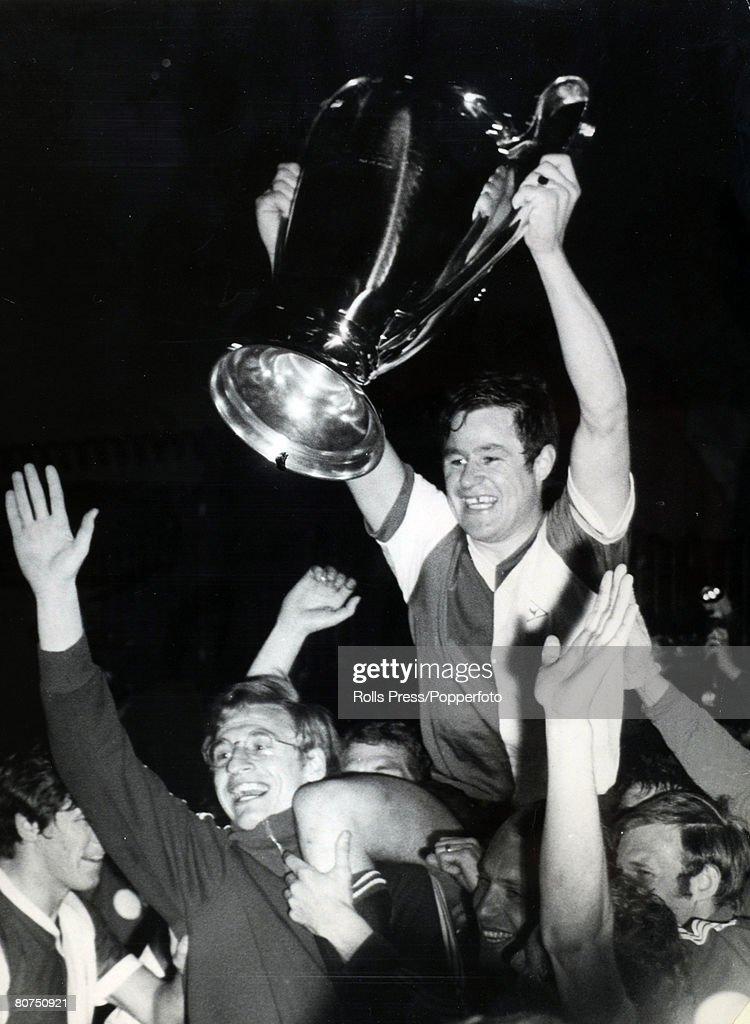May 1970 European Cup Final in Milan Feyenoord 2 v Celtic 1 Feyenoord players parade the European Cup as Rinus Israel is carried shoulder high