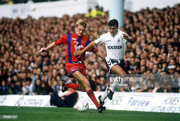 September 1990 Division 1 Tottenham Hotspur 1 v Crystal Palace 1 Crystal Palace captain Geoff Thomas left in a battle for the ball with Tottenham...