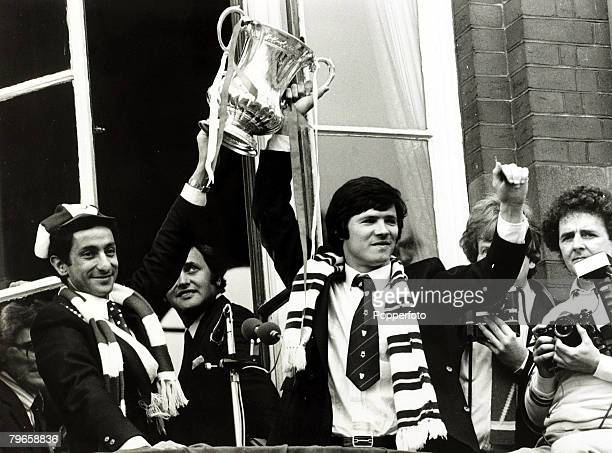 17th May 1981 Tottenham Hotspur's Osvaldo Ardiles left and Steve Perryman display the FA Cup to crowds at Tottenham Town Hall the day after beating...