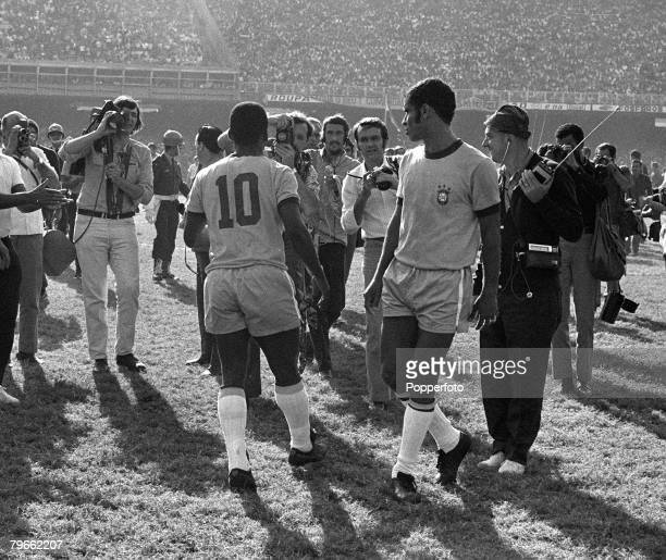 Sport Football Rio de Janeiro Brazil 18th July 1971 International Friendly Brazil 2 v Yugoslavia 2 Pele the great Brazilian football superstar is...