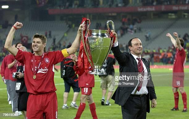 Sport Football UEFA Champions League Final 25th May 2005 Ataturk Stadium Istanbul AC Milan 3 v Liverpool 3 Liverpool captain Steven Gerrard with...