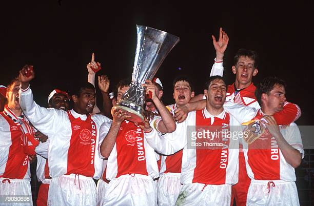 Sport Football UEFA Cup Final Second Leg Amsterdam Holland 13th May 1992 Ajax 0 v Torino 0 The victorious Ajax team celebrate with the trophy