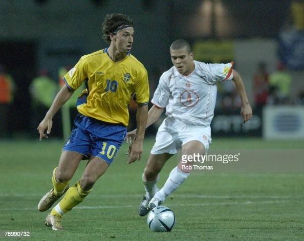 Sport Football UEFA European Championships Euro 2004 Algarve FaroLoule 26th June 2004 Quarter Final Holland 0 v Sweden 0 after extra time Holland won...