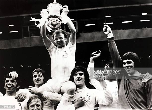 Sport Football Wembley London England FA Cup Final 6th May 1972 Leeds United 1 v Arsenal 0 Leeds United captain Billy Bremner lifts the trophy aloft...