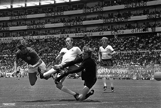 Sport Football World Cup Finals Leon Mexico 14th June 1970 Quarter Final West Germany 3 v England 2 England's Geoff Hurst dives to head past German...