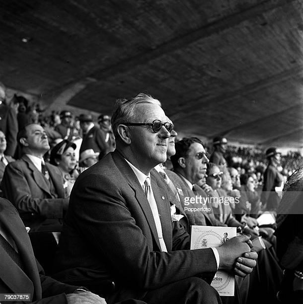 Sport Football World Cup Finals Maracana Stadium Rio de Janeiro Brazil 25th June 1950 Group 2 England 2 v Chile 0 FA Secretary Sir Stanley Rous...