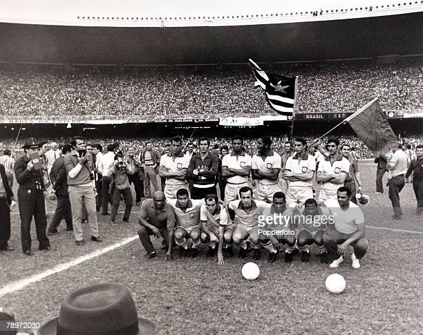Sport Football World Cup Qualifier Rio de Janeiro 31st August 1969 Brazil 1 v Paraguay 0 The Brazil team lines up before the game the team was Carlos...